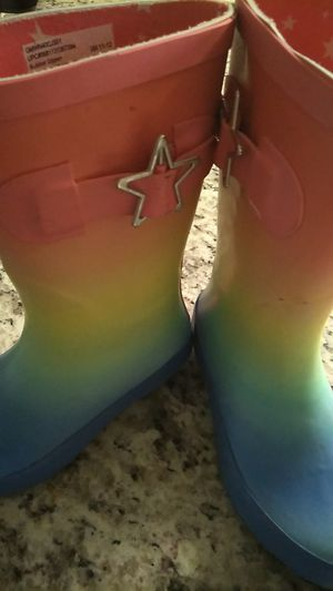Girl rain boots 11/12 size for Sale in Hanover Park, IL