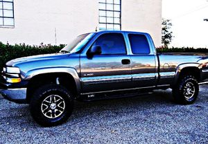 Price$12OO 4WD Silverado 2001 for Sale in San Angelo, TX