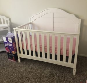 4 in 1 Convertible Crib NEED GONE TODAY!!! for Sale in Baltimore, MD