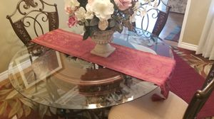 Table and chairs set- 4 chairs for Sale in Santa Ana, CA