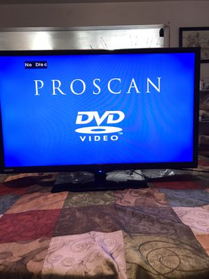Flat. TV. 30in. With. DVD. And. Remote for Sale in Norwalk, CA