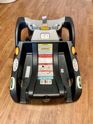 Chicco Keyfit 30 infant car seat base for Sale in Langley Air Force Base, VA