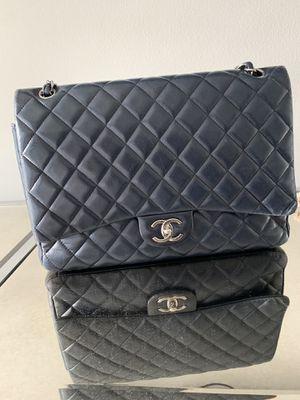 Chanel classic maxi bag for Sale in Boca Raton, FL