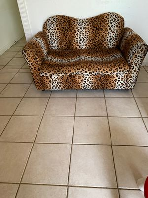 Kids Couch for Sale in Visalia, CA
