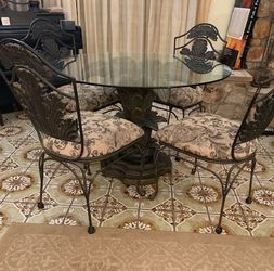 Dining/Patio set - beautiful! for Sale in Alhambra,  CA