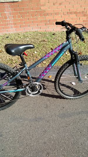 18 nishiki mountain bike for Sale in Temple Hills, MD