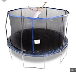 14 ft bounce pro trampoline and enclosure for Sale in Alexandria, VA