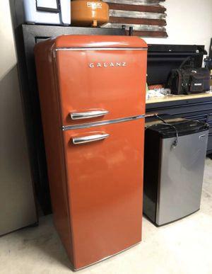Refrigerator 7.6 cu Ft Retro Style Refrigerator for Sale in Chandler, AZ