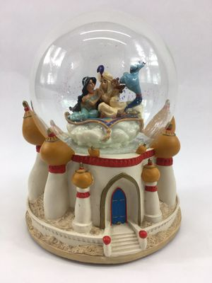 """A Whole New World"" Large 7"" Disney's Aladdin Musical Snowglobe for Sale in Hamilton Township, NJ"