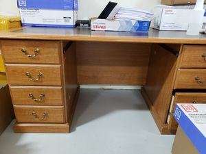 Office desk for Sale in Gilroy, CA