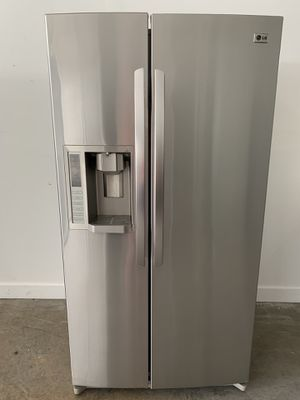 """36"""" LG Refrigerator Refrigerador Nevera fridge stainless steel side by side. excellent condition.. Warranty. Service Deliver for Sale in Miami, FL"""
