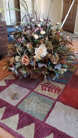 Dried artificial flower and vase arrangement for Sale in Marana,  AZ