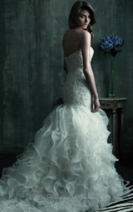 Wedding Dress - Allure C181 $500 for Sale in Baltimore, MD