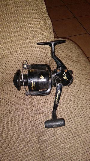 Like new fishing Reel for Sale in San Antonio, TX