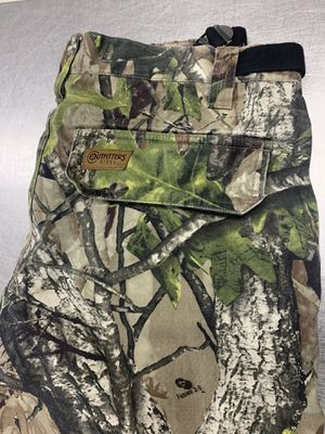 Camo pants for Sale in Altoona, WI