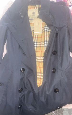 """Women's Burberry Trench Jacket """"CHELSEA"""" brand new never worn for Sale in Tacoma, WA"""