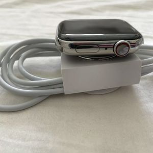 Apple Watch Series 4 Stainless Steel 44mm Wifi + GPS + Cellular for Sale in Fort Lauderdale, FL