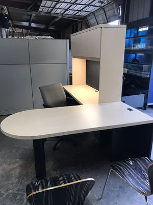 Office Furniture, BULLET,RETURN AND HUTCH for Sale in Houston, TX