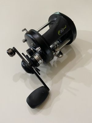 Pro Cat round baitcaster fishing reel for Sale in Alvin, TX