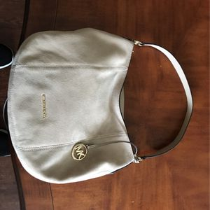 Michael Kor HoBo Bag - Taupe ***NEW*** - No Shipping for Sale in Wantagh, NY