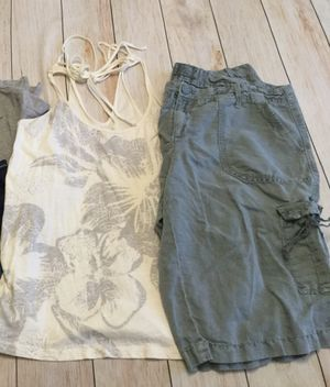 Amer. Eagle, tank (Jr's med/Lg) & cargo (Jr's 11) - teen girls clothing for Sale in Cape Coral, FL
