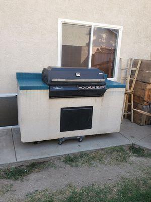 Bbq Island, gas grill works great for Sale in San Bernardino, CA