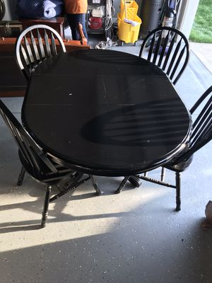 Dining Room table with 4 chairs for Sale in Raleigh, NC