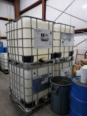 275 gallon totes for Sale in Roy, WA