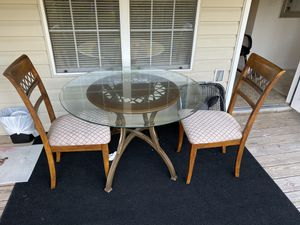 Dining room table w/ 2 chairs for Sale in Pensacola, FL