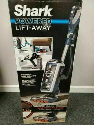 Shark Rotator Powered Lift Away Speed Upright Vacuum for Sale in Lititz, PA