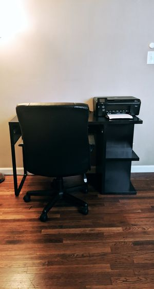 Desk with shelves + FREE chair for Sale in Los Angeles, CA