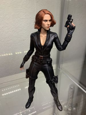 Hot Toys MMS178 The Avengers 1/6th Scale Black Widow (Please Read Description) for Sale in Orosi, CA