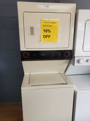Washer and dryer secadora y lavadora stackable for Sale in Woodbridge, VA