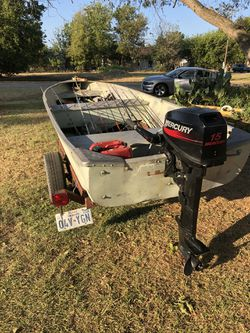 14 ft vbottom boat with 15 hp Mercury motor runs well no leaks and I have the titles $1400 cash willing to trade what you got {contact info removed} for Sale in Robinson,  TX