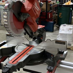 Milwaukee Miter Saw With Stand for Sale in Herndon, VA