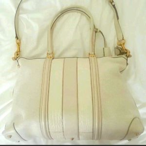 AUTHENTIC GUCCI $4K Ivory GG Monogram Large Tote bag Spring NEW for Sale in San Diego, CA
