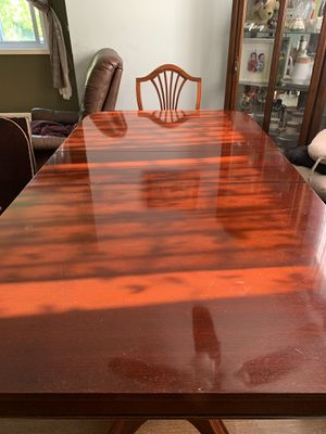 Antique dining table for Sale in Rockville, MD