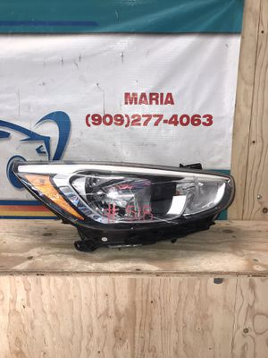 2015-2017 Hyundai Accent Headlight RH for Sale in Jurupa Valley, CA
