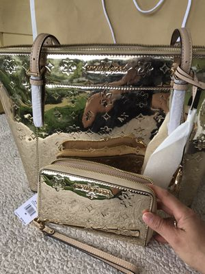 Authentic Michael Kors purse 👜 and wallet for Sale in Tacoma, WA