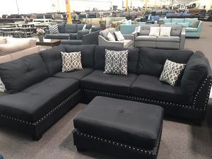 Black sectional sofa with ottoman / reversible chaise for Sale in Garden Grove, CA