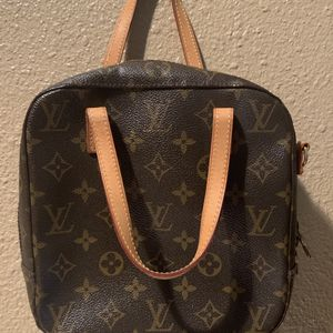 AUTHENTIC LOUIS VUITTON MONOGRAM CROSSBODY BAG HANDBAG PURSE TOTE $350 OR BEST OFFER NO TRADES for Sale in Fountain Valley, CA