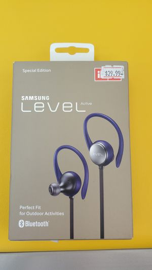 Samsung level active bluetooth Headset for Sale in Seminole, FL