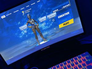 This acc has 132 skins og seasson 2 and exclusive skins dm for proof for Sale in Wasilla, AK
