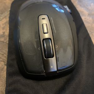 Wireless Logitech Mouse With Chip for Sale in Los Angeles, CA