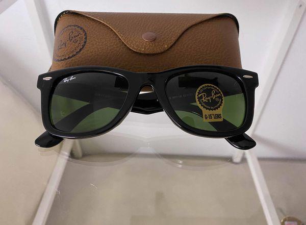 Brand New Authentic RayBan Wayfarer Sunglasses