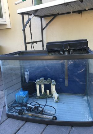30 gallon glass fish tank for Sale in Midway City, CA