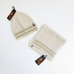 NEW Levi's Scarf and Beanie Set for Sale in Bartlett,  IL
