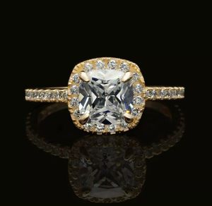 14k Yellow Gold Engagement Ring Sz 7 for Sale in Palm Beach, FL