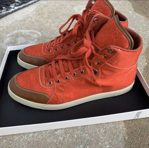 Gucci Shoe's sz 10.5 (Authentic) for Sale in Chicago, IL