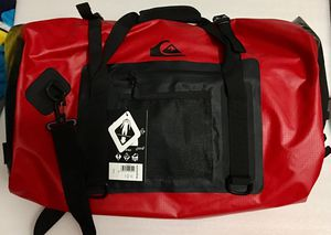 Quiksilver Men's Stowaway Travel Duffle Bag Red for Sale in SIENNA PLANT, TX